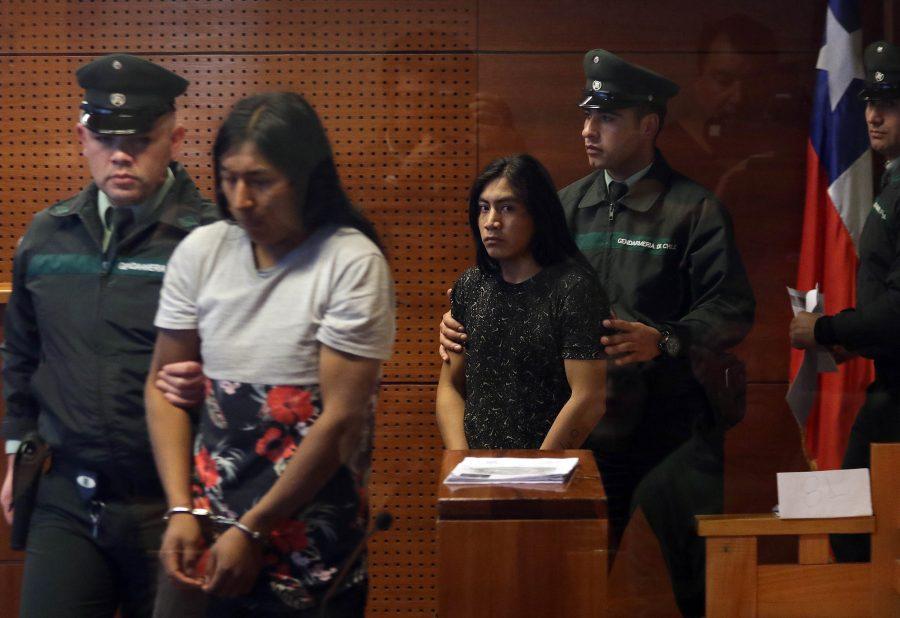 18 de Junio del 2018/SANTIAGO Realizan control de detención en el centro de justicia a los dos ciudadanos ecuatorianos acusados de dar muerte en la madrugada a a una mujer de 41 años con un palo en la cabeza tras resistirse a un asalto en el barrio Republica FOTO: FRANCISCO CASTILLO D./AGENCIAUNO
