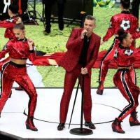 Robbie Williams cantando en la inauguración del Mundial de Rusia