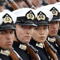 19 de septiembre de 2018/SANTIAGO En la elipse del Parque O'Higgins se realizo una nueva versión de la gran parada militar 2018, en honor a las glorias del ejército. En la imagen se observa una mujer integrante de la Escuela Naval. FOTO: RODRIGO SAENZ/AGENCIAUNO
