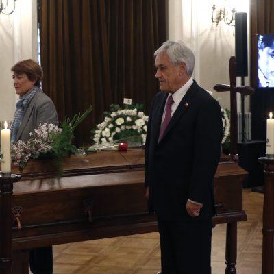 24 de Septiembre del 2018/Santiago El presidente Sebastian Pi–era asiste al velorio de Vicente Bianchi en el Teatro Municipal FOTO:MARIO DçVILA HERNçNDEZ/AGENCIAUNO