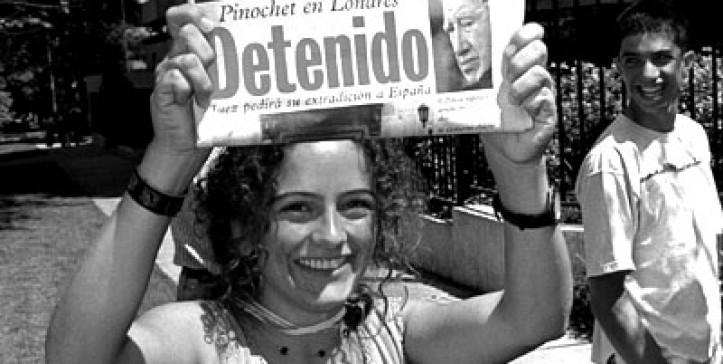 Fotos Las Portadas Que Dejo La Detencion De Pinochet Hace 20 Anos Duna 89 7 Duna 89 7