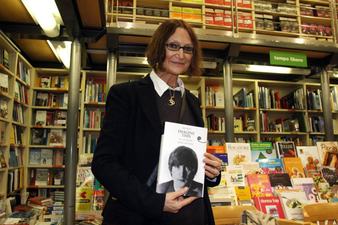 Julia Baird, hermana de John Lennon
