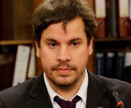 Álvaro Bellolio, director del Departamento de Extranjería y Migraciones
