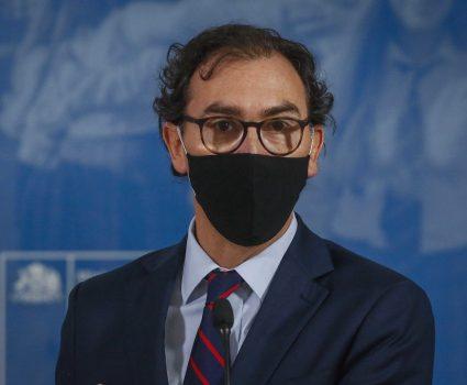 Raúl Figueroa, ministro de Educación