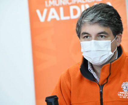 omar sabat, alcalde de valdivia por desconfinamiento