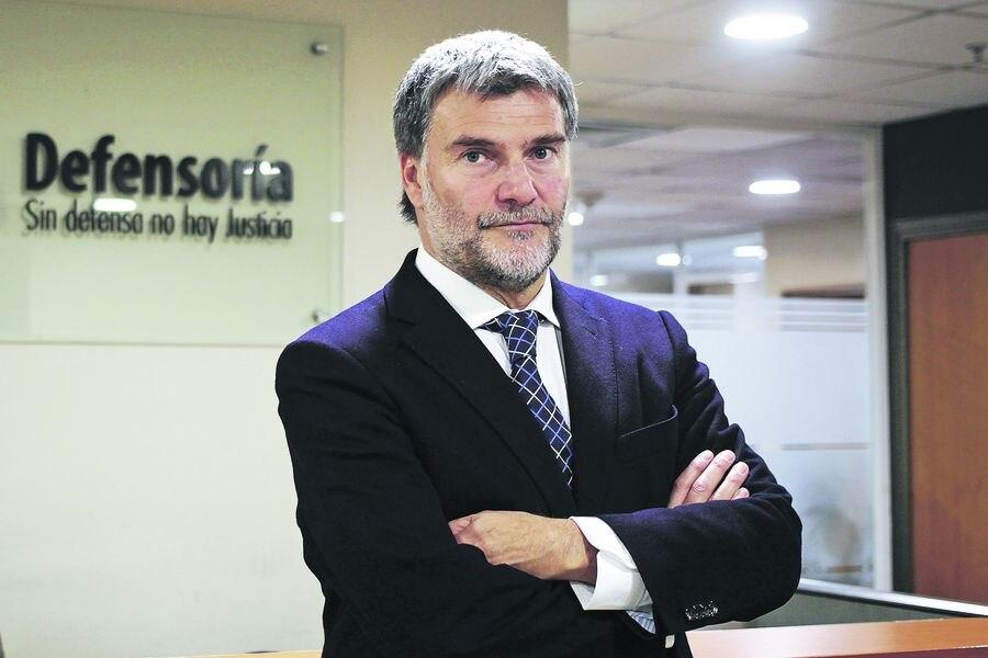 Defensor Nacional, Andrés Mahnke, por indulto